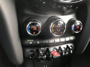 MINI MINI COOPER S SEVEN FL NAVI SHZ 17″ LED 1.HAND